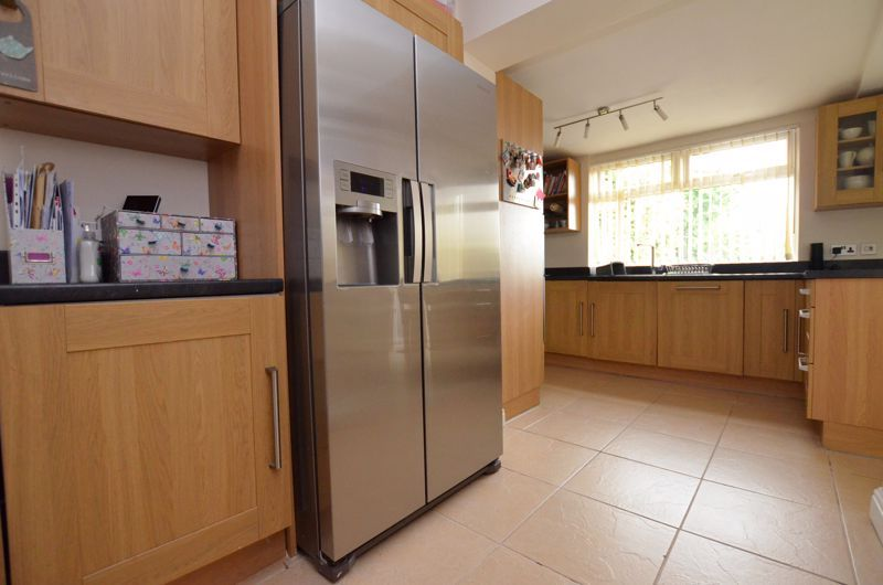 3 bed house for sale in Ridgacre Road 4