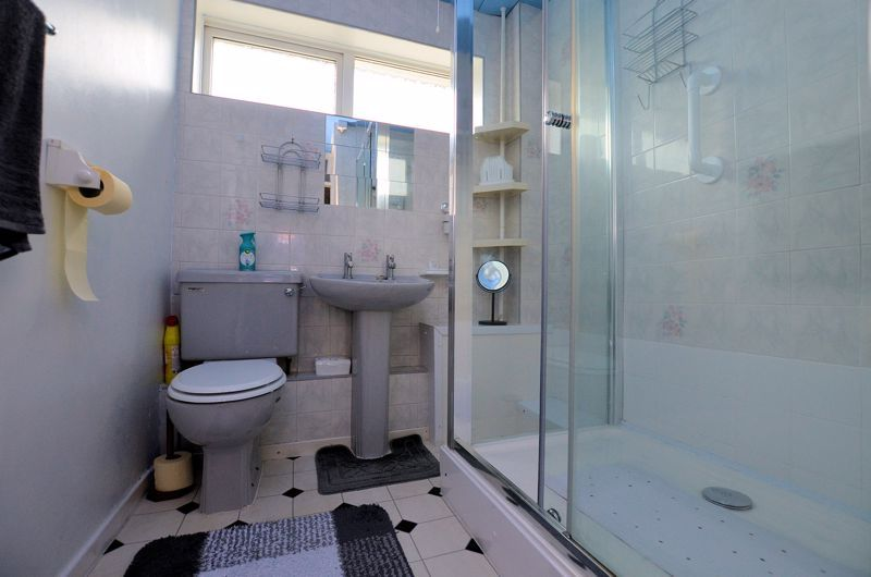 3 bed house for sale in Malpas Drive 7