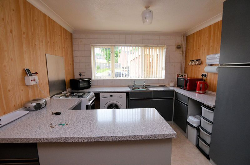 3 bed house for sale in Malpas Drive 8