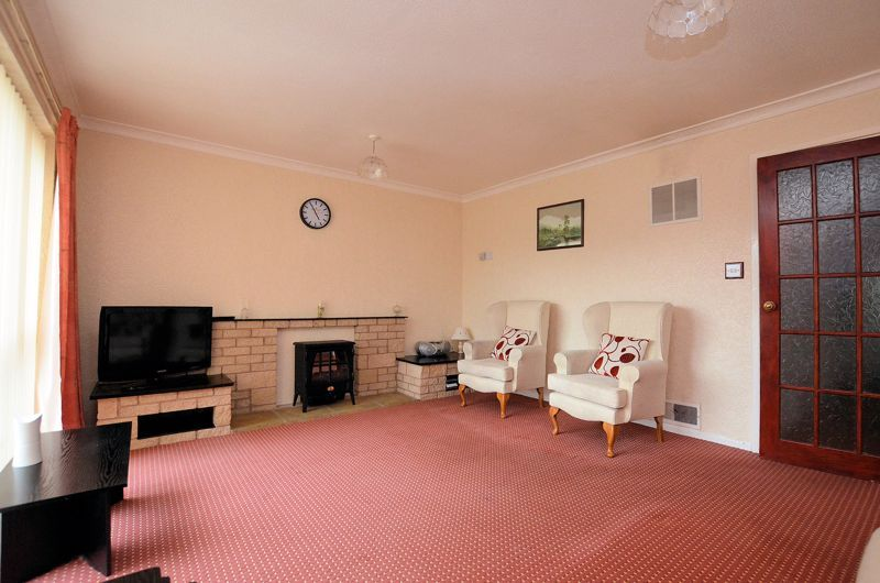 3 bed house for sale in Malpas Drive 9