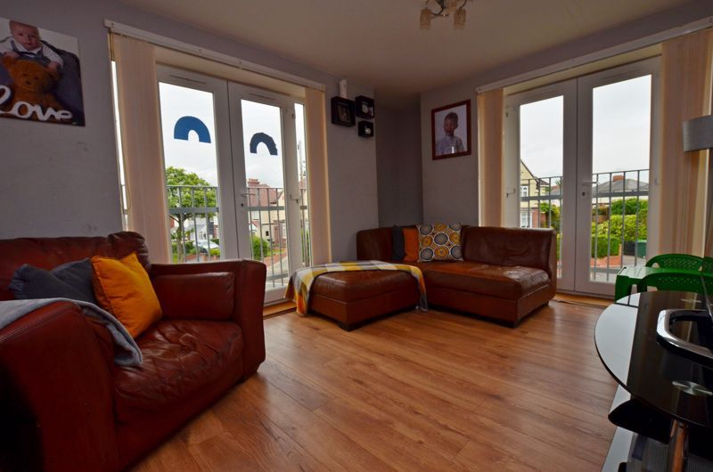 2 bed flat for sale in Bristnall Hall Road  - Property Image 2