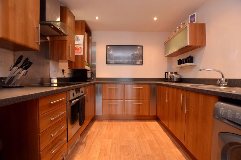 2 bed flat for sale in Bristnall Hall Road 3