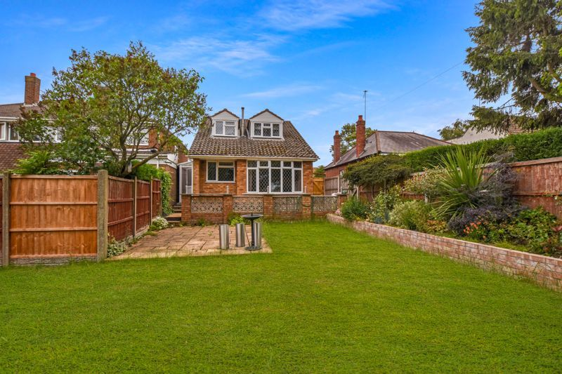 4 bed house for sale in Pound Road 1