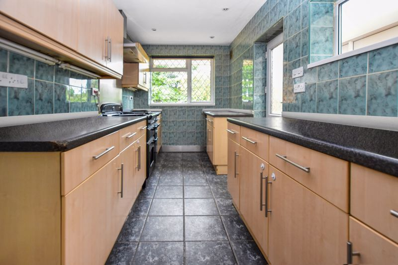 4 bed house for sale in Pound Road 5
