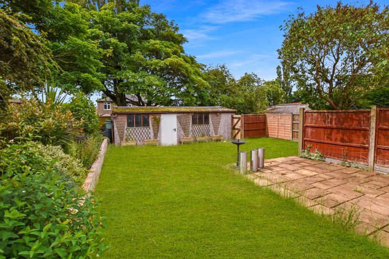 4 bed house for sale in Pound Road  - Property Image 9