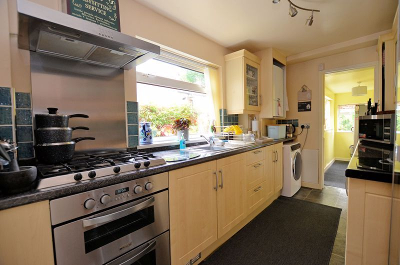 2 bed house for sale in Loxley Road  - Property Image 4