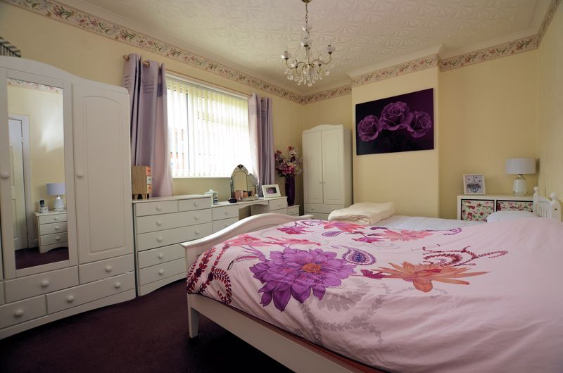 2 bed house for sale in Loxley Road 6