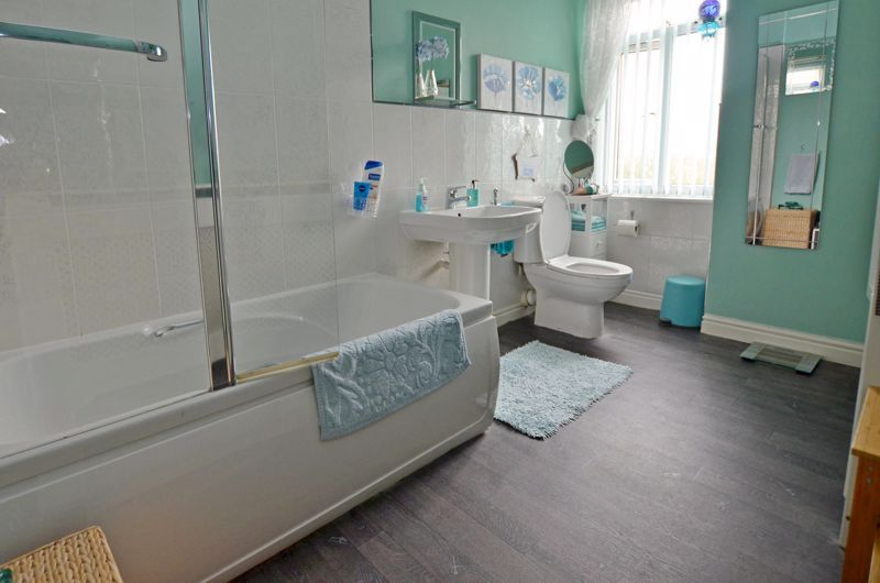 2 bed house for sale in Loxley Road  - Property Image 10