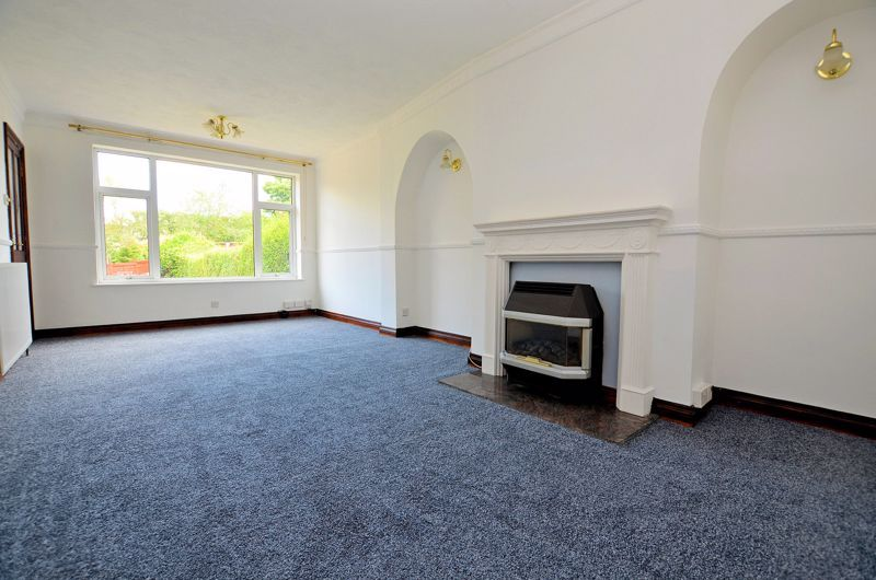 4 bed house for sale in Newlands Drive  - Property Image 2