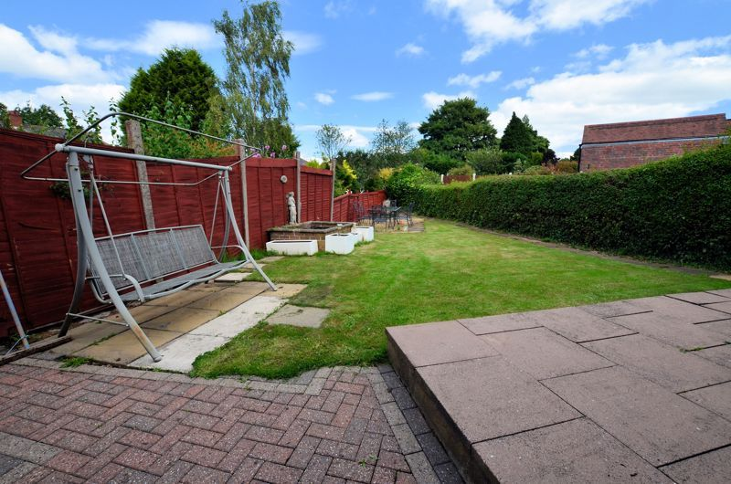 4 bed house for sale in Newlands Drive  - Property Image 4