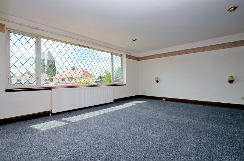 4 bed house for sale in Newlands Drive  - Property Image 6
