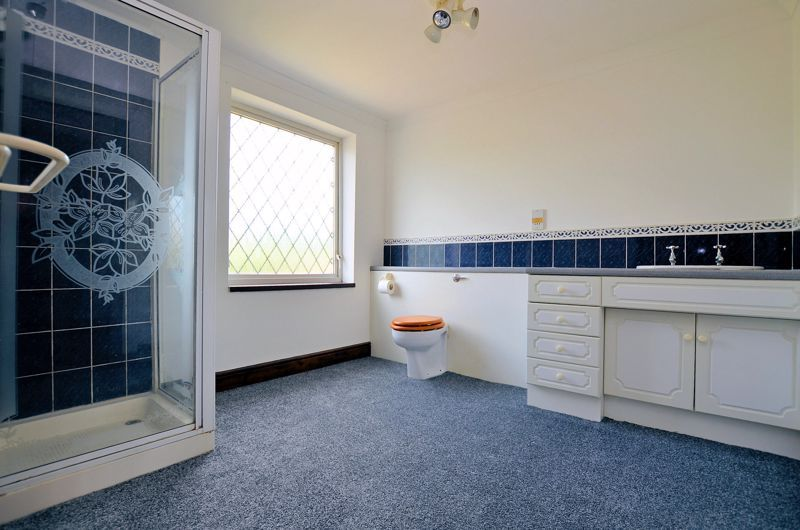 4 bed house for sale in Newlands Drive  - Property Image 7
