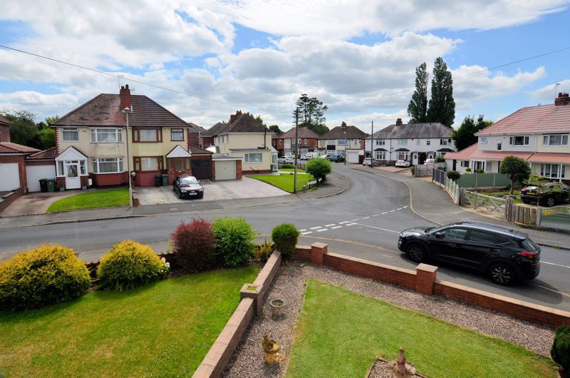4 bed house for sale in Newlands Drive 9