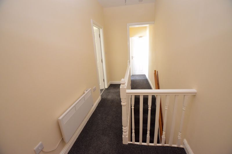 1 bed flat to rent in Three Shires Oak Road 9