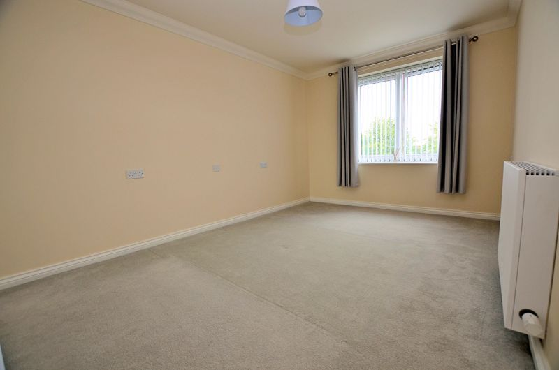 1 bed  for sale in Quinton Lane 4