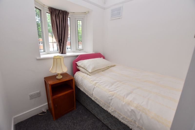 3 bed house to rent in Whitley Court Road 12