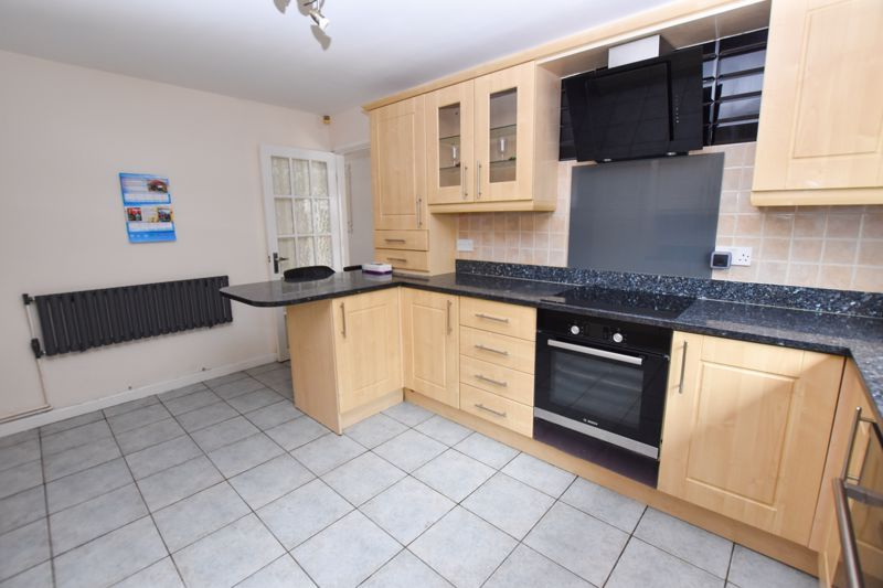 4 bed house to rent in Richmond Hill  - Property Image 5