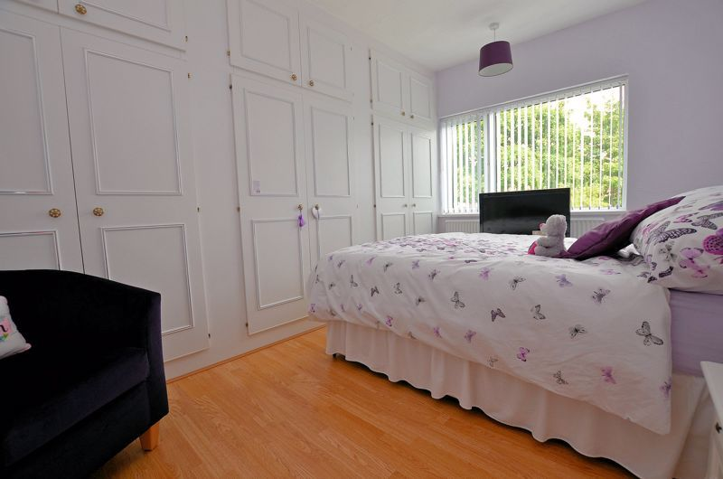 3 bed house for sale in White Road 6