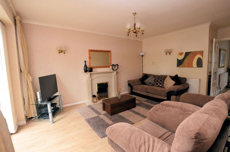 3 bed house for sale in St Davids Drive 3