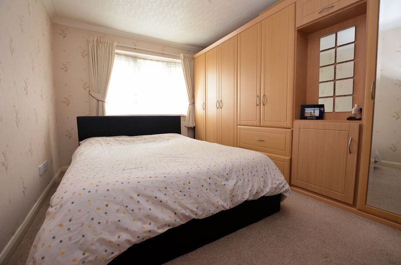 3 bed house for sale in St Davids Drive 8