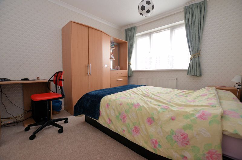 3 bed house for sale in St Davids Drive  - Property Image 9