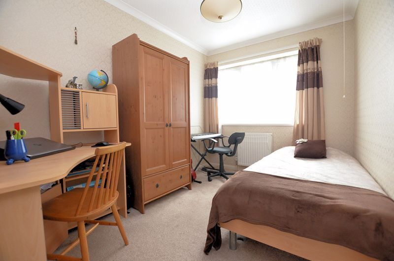 3 bed house for sale in St Davids Drive 10