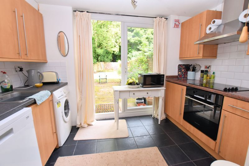 1 bed flat to rent in Stanmore Road  - Property Image 2