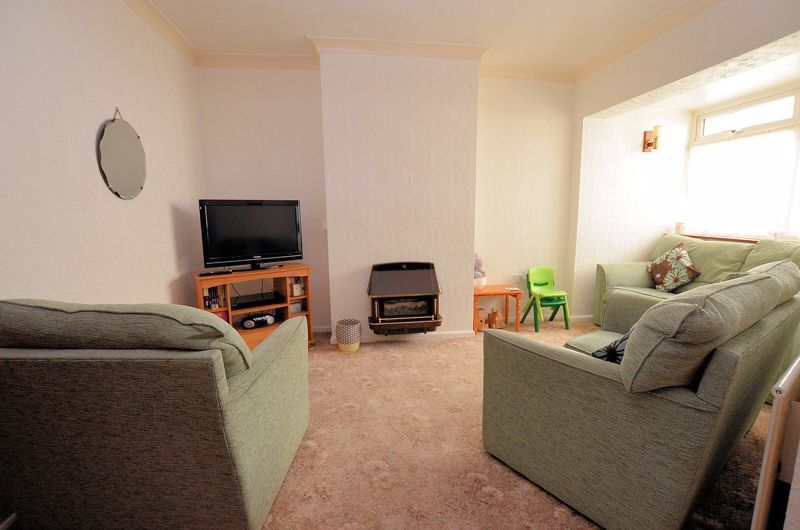 3 bed house for sale in Perry Hill Road  - Property Image 2