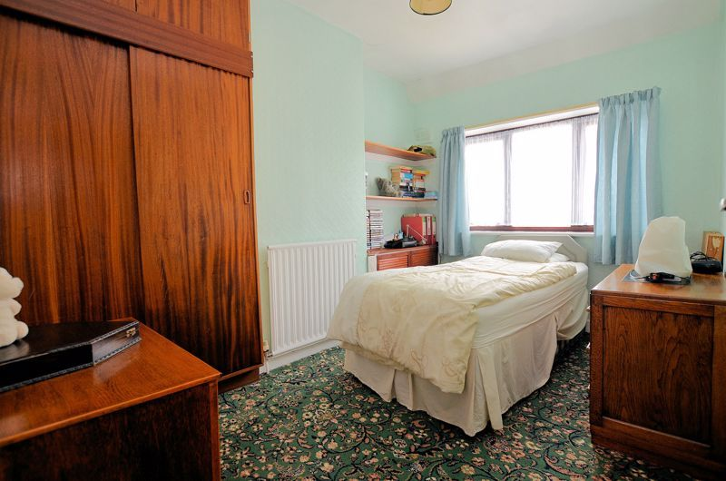 3 bed house for sale in Perry Hill Road 6