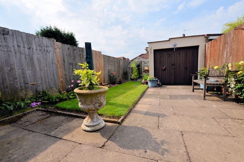 3 bed house for sale in Perry Hill Road  - Property Image 8