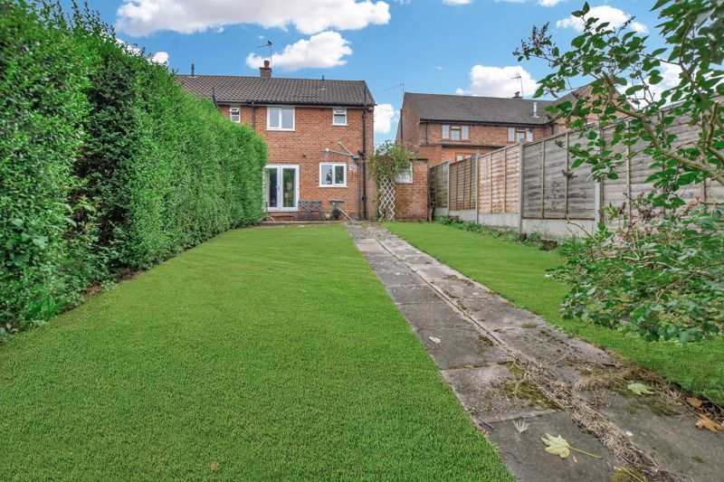 2 bed house for sale in Cornwall Avenue 12