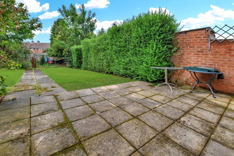 2 bed house for sale in Cornwall Avenue 4