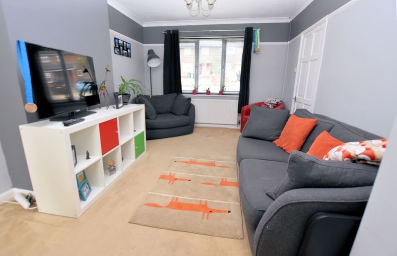 2 bed house for sale in Cornwall Avenue 5