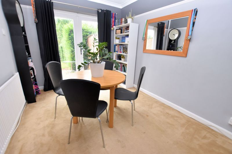 2 bed house for sale in Cornwall Avenue 6