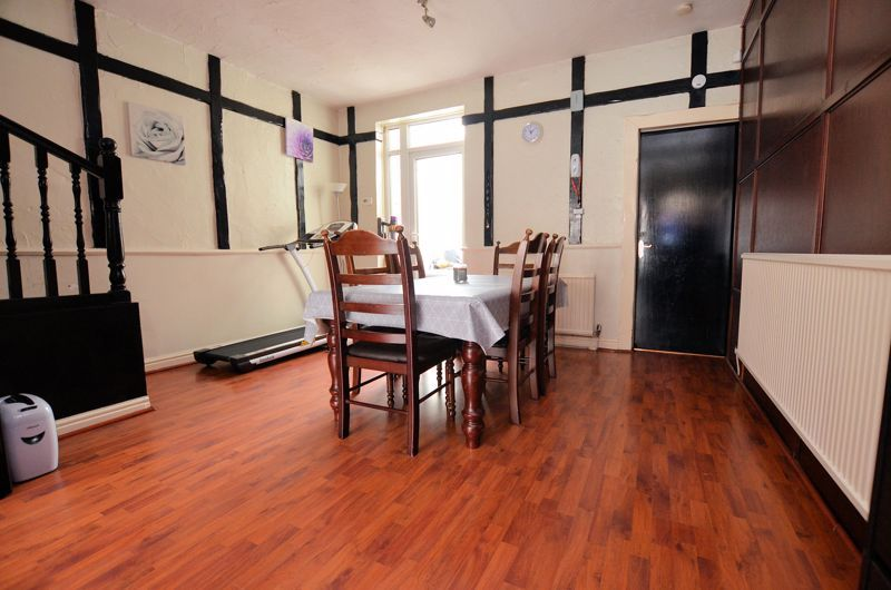 3 bed house for sale in Salisbury Road 3