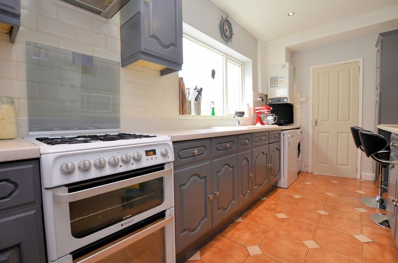 3 bed house for sale in Salisbury Road  - Property Image 4