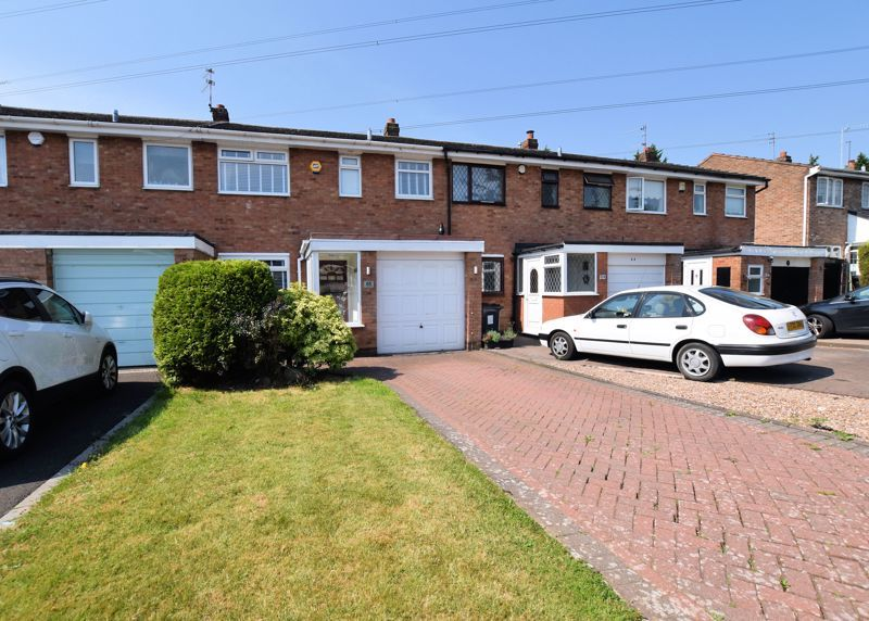 3 bed house for sale in Chichester Drive 1