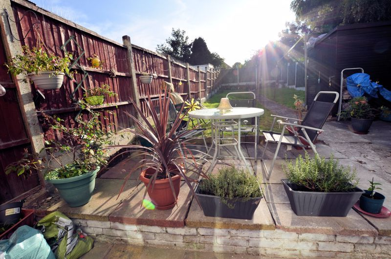3 bed house for sale in Queens Road 11