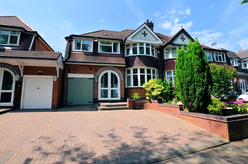 4 bed house for sale in Edenhall Road 1