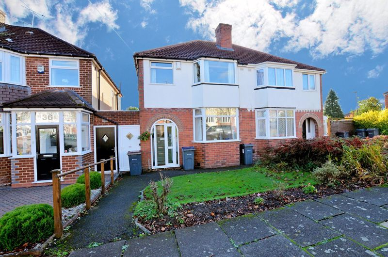 3 bed house for sale in Glyn Farm Road - Property Image 1
