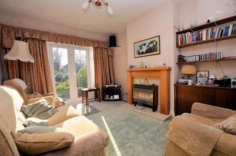 3 bed house for sale in Glyn Farm Road 2