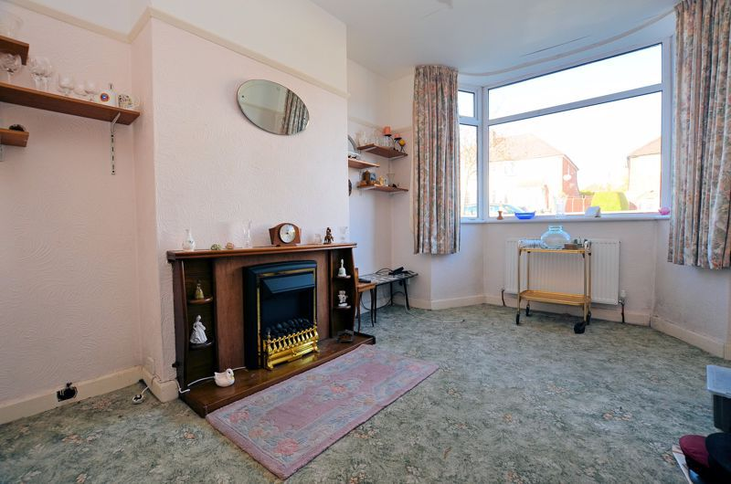 3 bed house for sale in Glyn Farm Road 3
