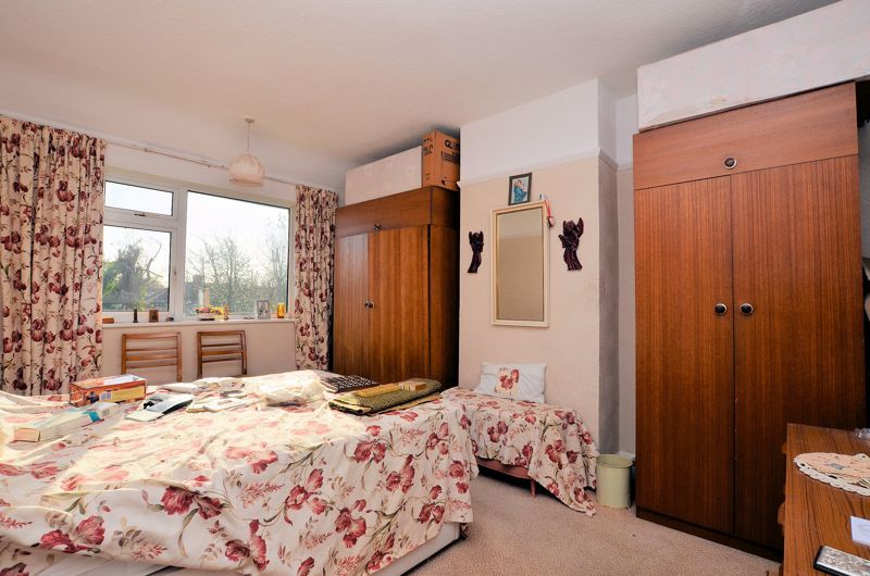 3 bed house for sale in Glyn Farm Road 5