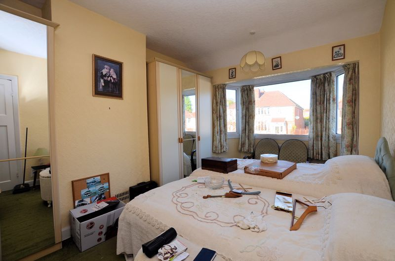 3 bed house for sale in Glyn Farm Road 6