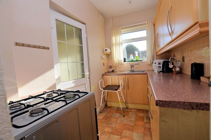 3 bed house for sale in Glyn Farm Road  - Property Image 10