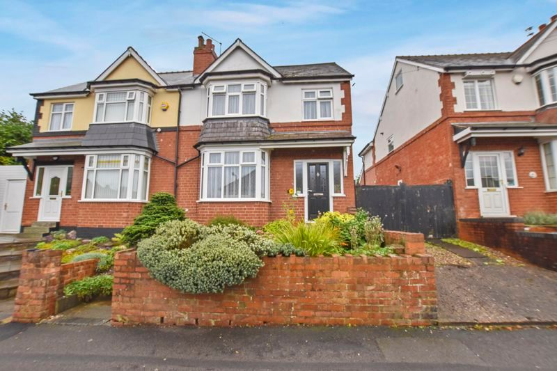 3 bed house for sale in Hamilton Road 1