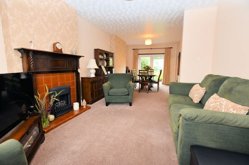 3 bed house for sale in Hamilton Road 2