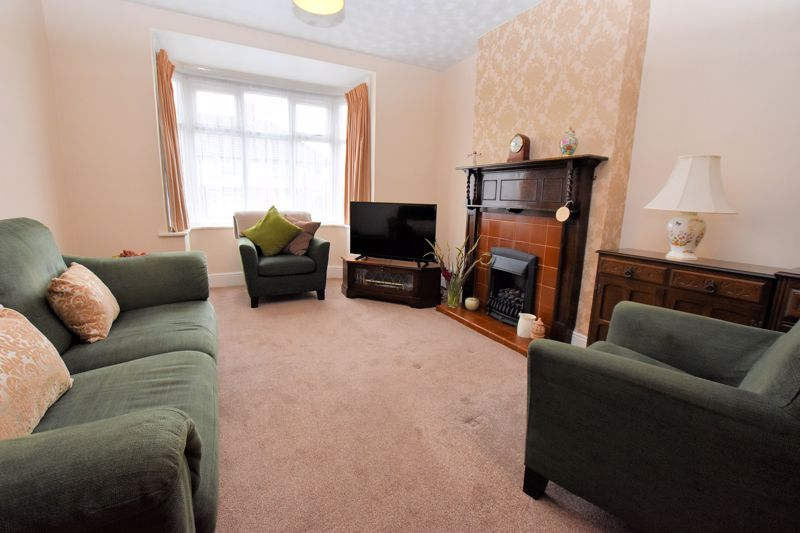 3 bed house for sale in Hamilton Road 5