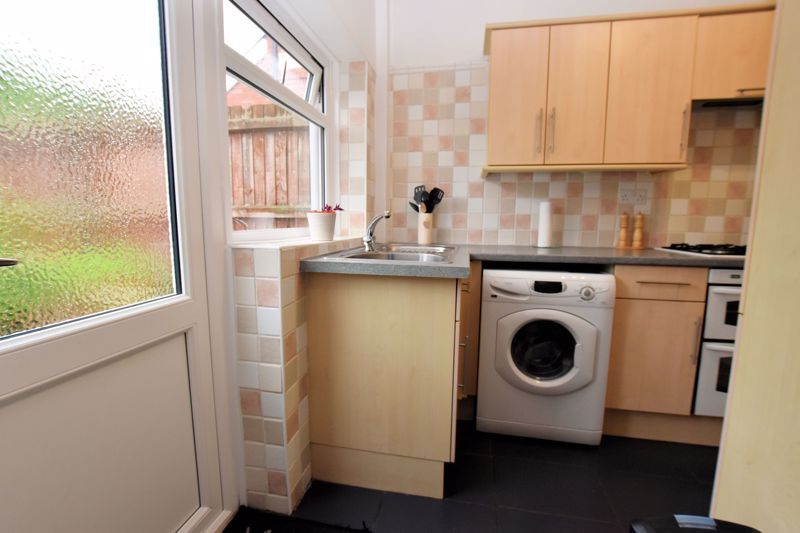 3 bed house for sale in Hamilton Road 8