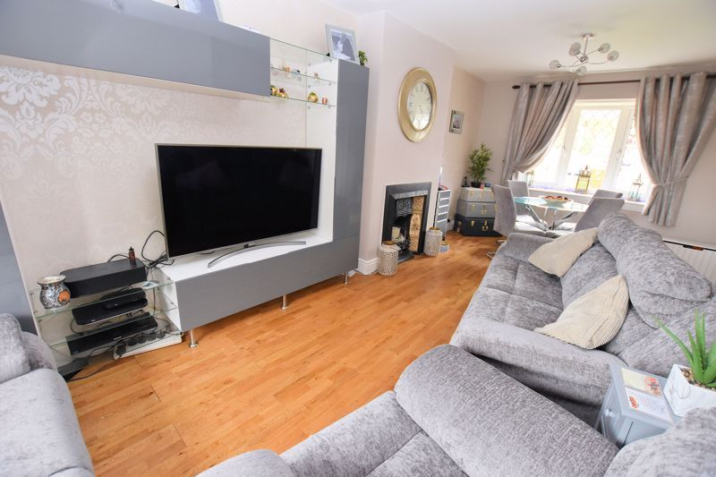 3 bed house for sale in Harvington Road 3